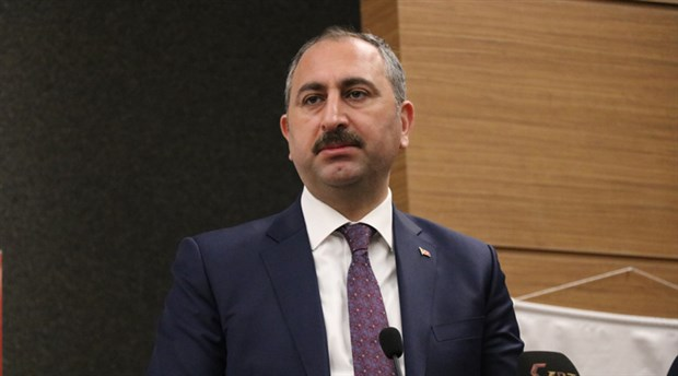Adalet Bakanı Gül'den Sabah yazarına 'FETÖ' tepkisi