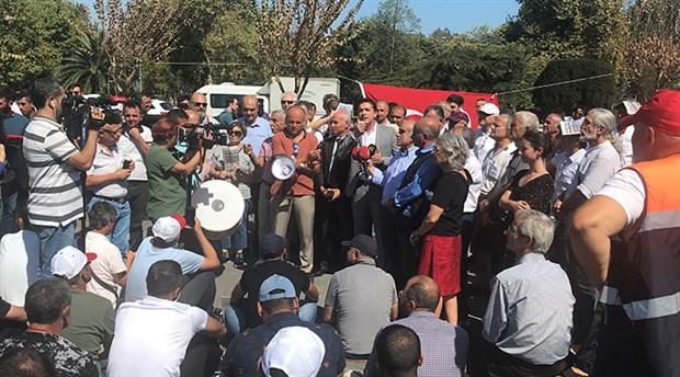 Vatan Partisi'nden İBB önündeki AKP'lilere ziyaret