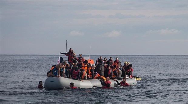 Arnavutluk alıkoyduğu 111 sığınmacıyı Türkiye'ye gönderdi