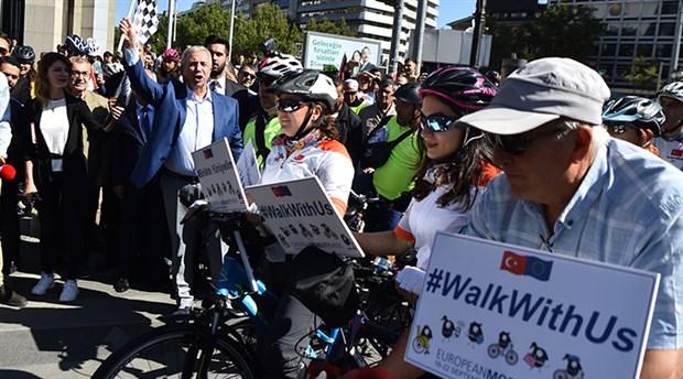 """Başkent sokakları """"bisikletlilerin"""" oldu"""