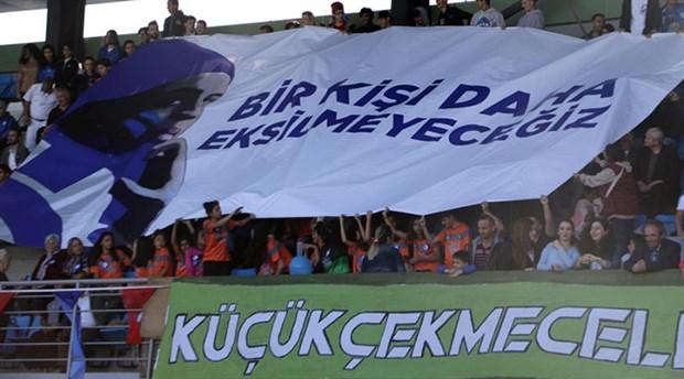 İstanbul'da kadınlar 'Mavi Kız' lakaplı Seher Hüdayari için sahaya çıktı