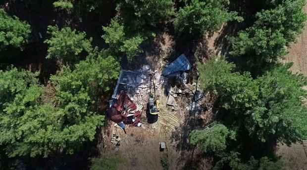 Buca'da orman arazisi üzerine kurulan 13 kaçak yapı yıkıldı