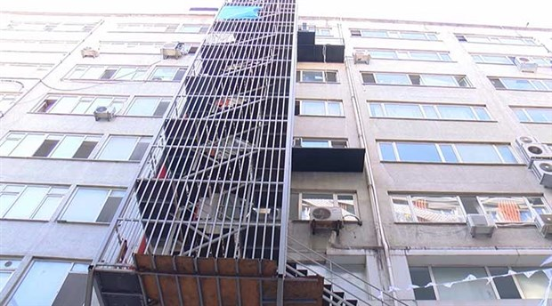 İstanbul'un yangın merdivenleri kullanılmaz durumda