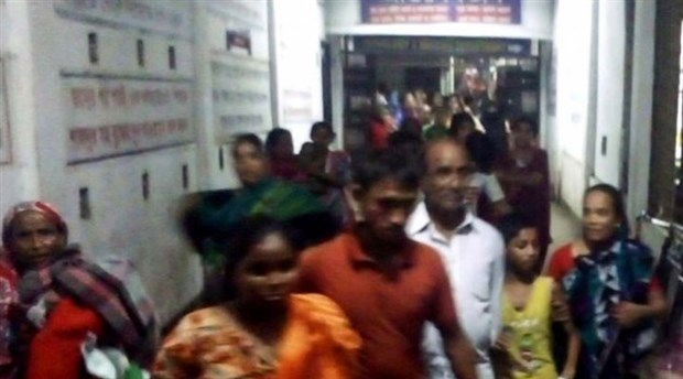 Bangladeş'te hastanede yangın söylentisi izdiham yarattı: 20 yaralı