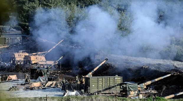 Suriye'ye kara harekatı başladı: Zırhlı araçlar ve komando birlikleri üç noktadan giriş yaptı