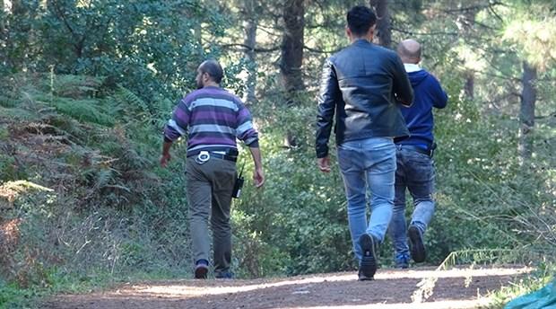 Adliyeye götürülen şüpheli, polis aracından kaçıp ormana saklandı