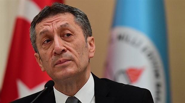Milli Eğitim Bakanı Selçuk'tan devlet okullarında paralı özel sınıf açılmasıyla ilgili açıklama