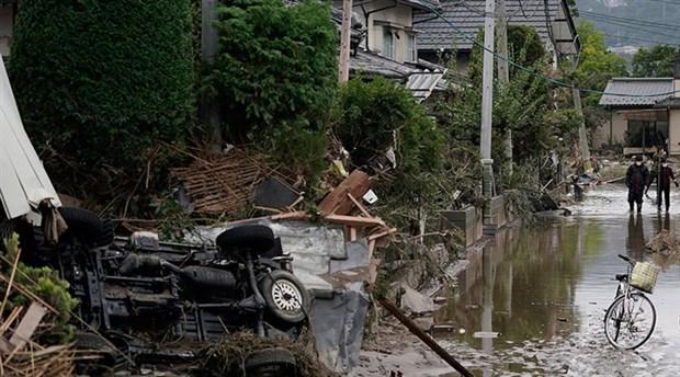 Japonya'da tayfundan kaçan iki evsiz barınağa alınmadı