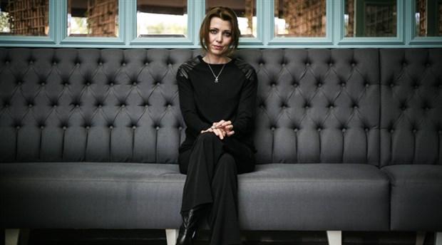 Netflix, Elif Şafak'ın 'Aşk' adlı kitabının haklarını aldı
