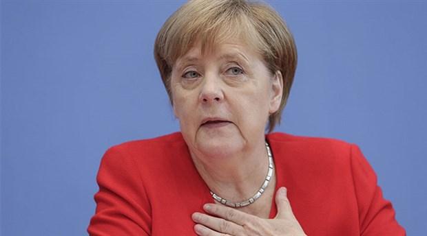 Merkel: Almanya, Türkiye'ye silah ihracatını durduracak