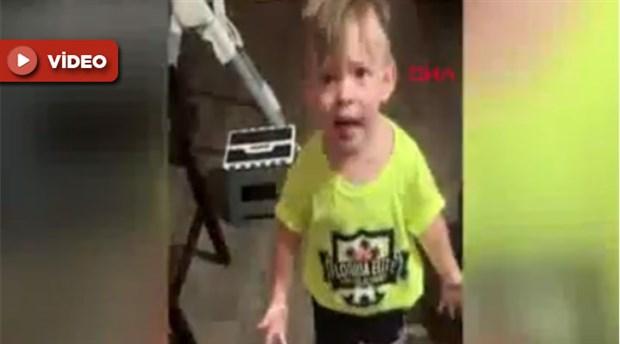 2 yaşındaki çocuğun annesine isyanı sosyal medyayı salladı