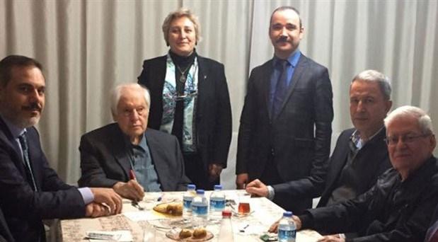 Nuri Pakdil hayatını kaybetti