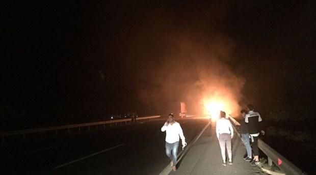 Futbolcuları taşıyan otobüste yangın