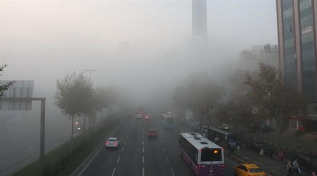 İstanbul güne sis ile uyandı: Görüş mesafesi 10 metreye kadar düştü