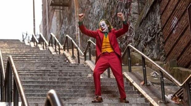 Joker merdivenlerine selfie akını