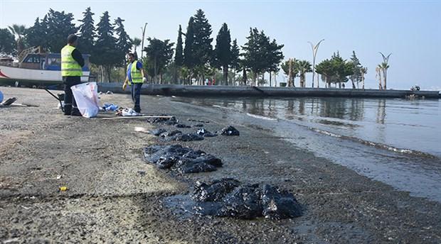 Aliağa'da petrol sızıntısı: Balıkçılar ve halk uyarıldı