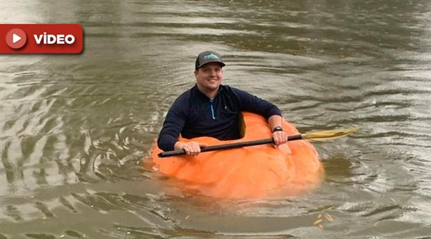 ABD'de bir çiftçi yetiştirdiği 413 kiloluk balkabağını bot olarak kullanıyor
