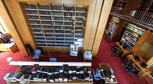 Gülen'in kitapları hâlâ kütüphanede