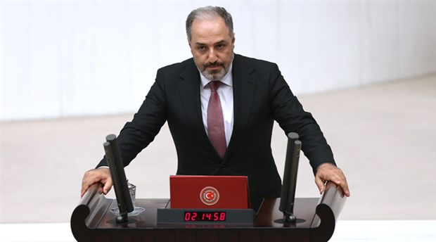 AKP Milletvekili Mustafa Yeneroğlu, partisinden istifa etti
