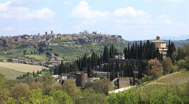 İtalya'da merkez sol, 50 yıldır elinde tuttuğu Umbria bölgesini kaybetti