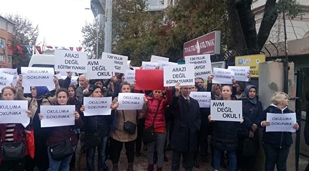 İstanbul Anadolu Lisesi'nin devredilmesine tepki