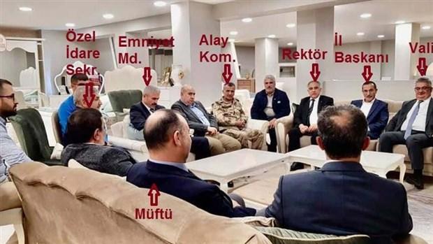 Devlet tam kadro AKP il başkanının dükkanında