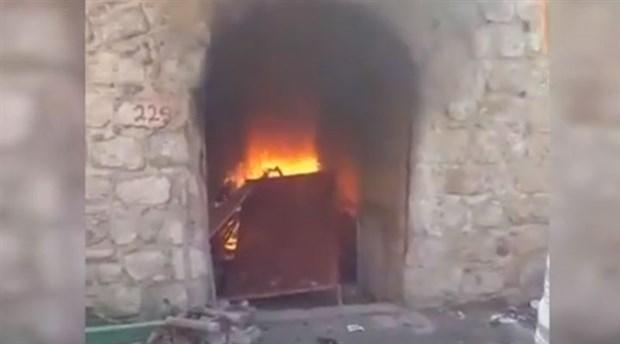 Hasankeyf'te yıkım isyanı: Tarihi çarşı esnafı, iş yerini içindekilerle birlikte ateşe verdi