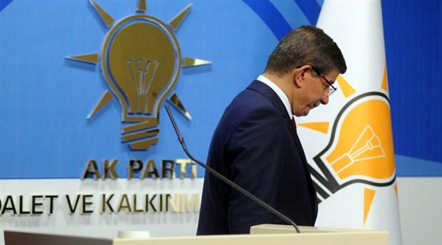 AKP'li belediye mühürlemişti: Davutoğlu, yeni parti binasını CHP'nin yönettiği ilçede tuttu