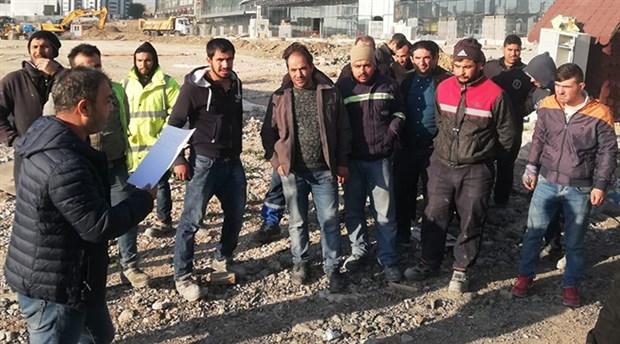 Patron ödenmeyen maaşlarını talep eden işçileri gözaltına aldırdı