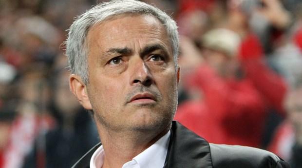 Jose Mourinho: Premier Lig'de şampiyonluk yarışı bitti