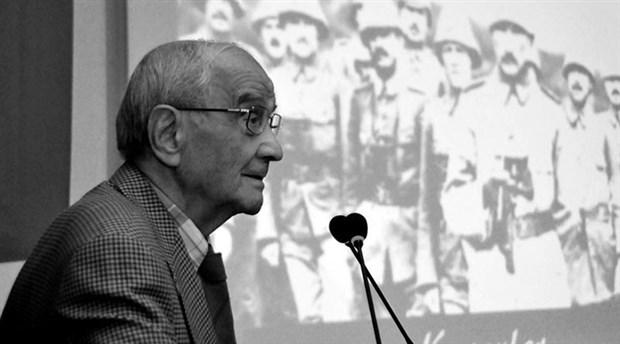 Duayen anayasa profesörü Mümtaz Soysal hayatını kaybetti