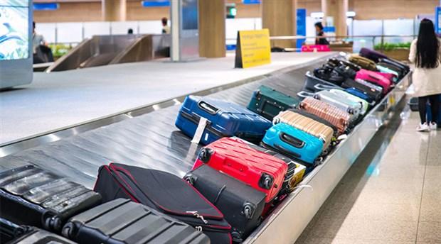 Talebi dikkate alınmayan havalimanı çalışanı yüzlerce bavulun etiketlerini değiştirdi