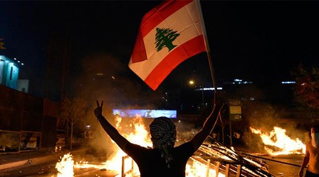 Lübnan'da protestolarda ilk ölüm: Oğlunun önünde öldürüldü