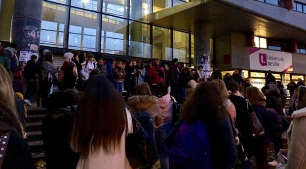 Fransa'da 40 üniversiteden öğrenciler sokaklara çıktı: Güvencesizlik öldürür!