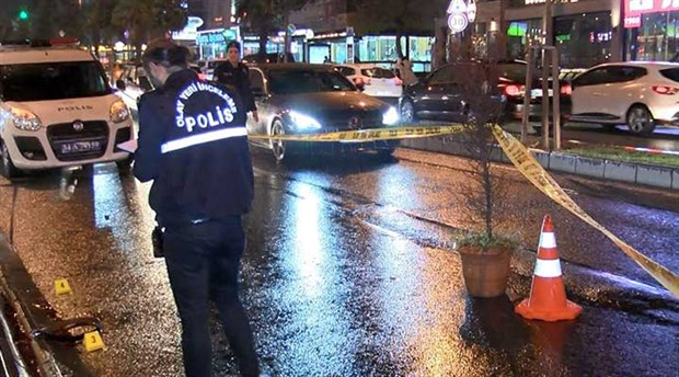 İstanbul'da ünlü kafenin ortağına silahlı saldırı: Saldırganlar kaçtı