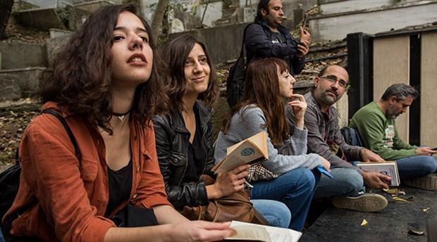 Orhan Veli'yi 'şiirli yürüyüş' ile andılar