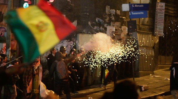 Bolivya'da askerin saldırısı soruşturmadan muaf tutulabilecek
