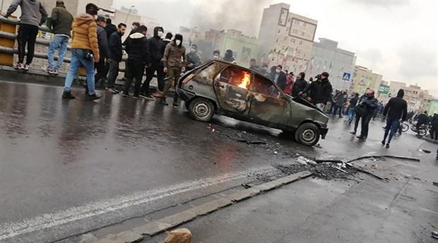 İran'da tansiyon yükseldi