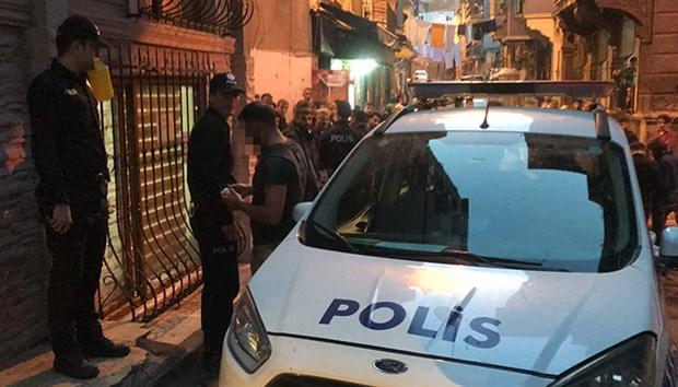 Beyoğlu'nda çocuğa taciz: Halk tarafından yakalandı