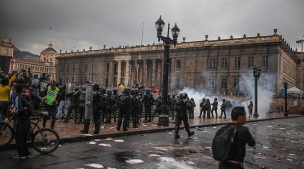 Kolombiya'daki eylemlerde 3 kişi hayatını kaybetti