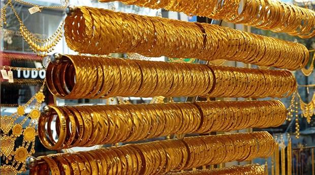 Sivas'ta bir kişiyi 'elinde FETÖ'nün altınları var' diyerek dolandırdılar