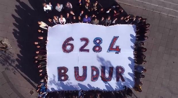 Kadıköy Belediyesi'nin kadın çalışanları '6284' için sokağa çıktı: Rap müzikle yasayı anlattılar