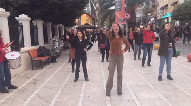 Şilili kadınların danslı protestosu İstanbul'da da yapıldı