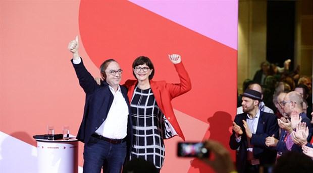 SPD Üyeleri Parti Eşbaşkanlarını seçti