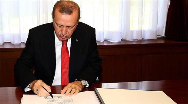 AKP'li vekiller kendi geçirdikleri yasanın veto edilmesini tebrik etti