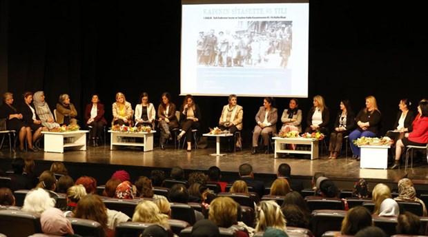 Konak'ta, kadınların siyasette 85 yılı konuşuldu