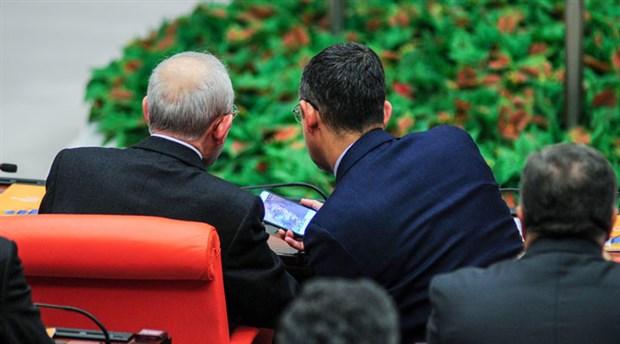 Özel'in Kılıçdaroğlu'na gösterdiği merak edilen fotoğraflar belli oldu