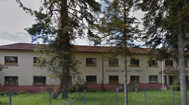Lise olarak kullanılan 120 yıllık tarihi binayı yıkıp külliyeli cami yapacaklar