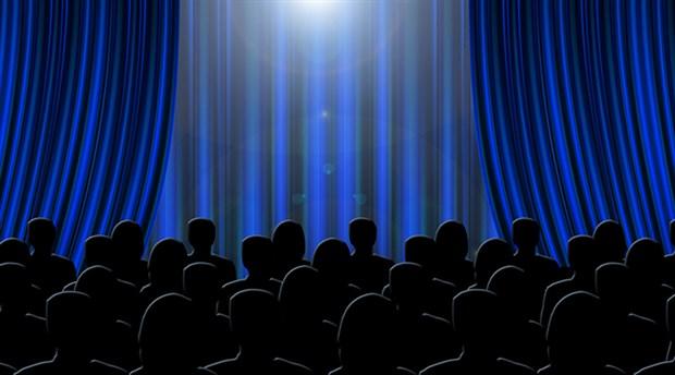 Tiyatro salonu sayısı azaldı, ilgi arttı
