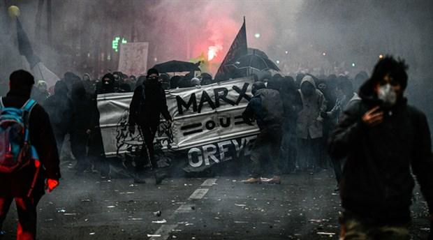 Fransa, protestolara neden olan emeklilik reformunu açıkladı